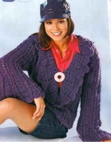 Лиловый пуловер вязаный крючком