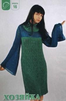 Зеленое платье вязаное спицами