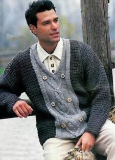 Двухцветный пуловер V-образным вырезом