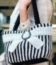 Полосатая сумка вязаная крючком