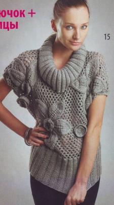 Вяжем серый пуловер с цветами