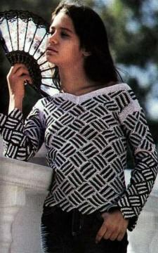 черно-белый пуловер
