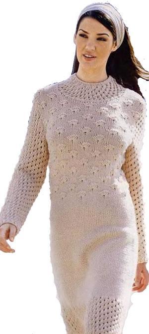 Платье, связанное на спицах и крючком