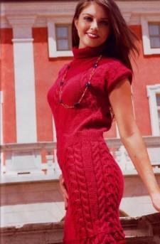 Платье-чулок узором из кос