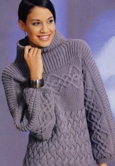 Пуловер со связанной поперёк кокеткой