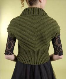 Зеленое болеро спицами со спины