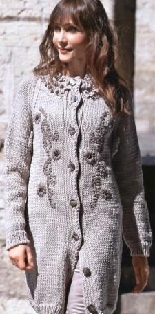 вязаное пальто с вышевкой