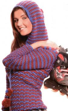 Пуловер с капюшон фантазийным узором