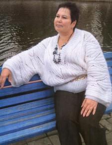 Белый пуловер-кимоно вязание для полных