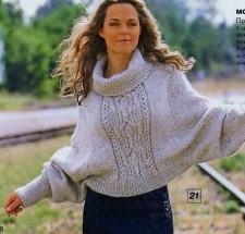 Пуловер - пончо вязаный спицами