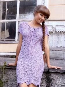 Сиреневое платье вязаное крючком