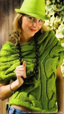 Зеленая вязаная безрукавка