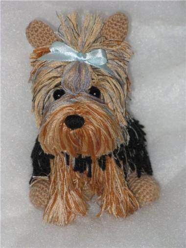 вязаная собака игрушка
