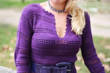 Фиолетовое платье вязаное крючком