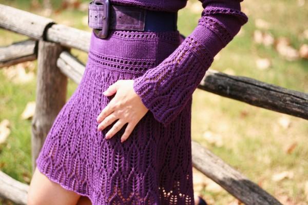 Фиолетовое платье вязаное крючком юбка