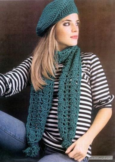 Вязаный берет и шарф