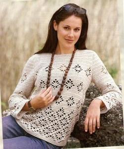 Пуловер с цветочным узором крючком