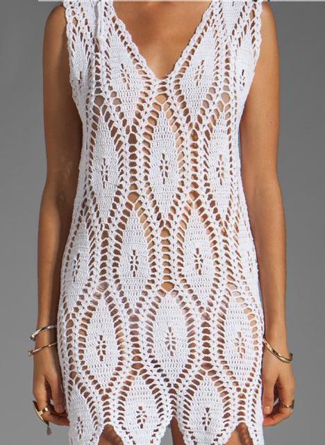 Белое платье одним узором