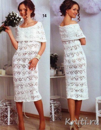 Белое платье связано спицами