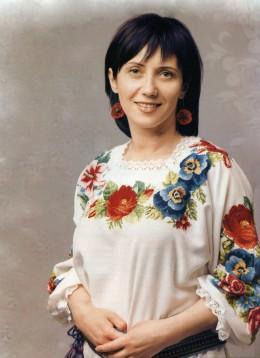 Блузка с красивой вышивкой.