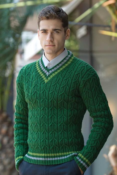 Пуловер спицами зеленый